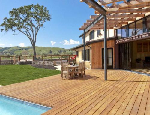 Da Stanze d'Autore a Prato dai vita al tuo giardino con un pavimento in legno da esterno